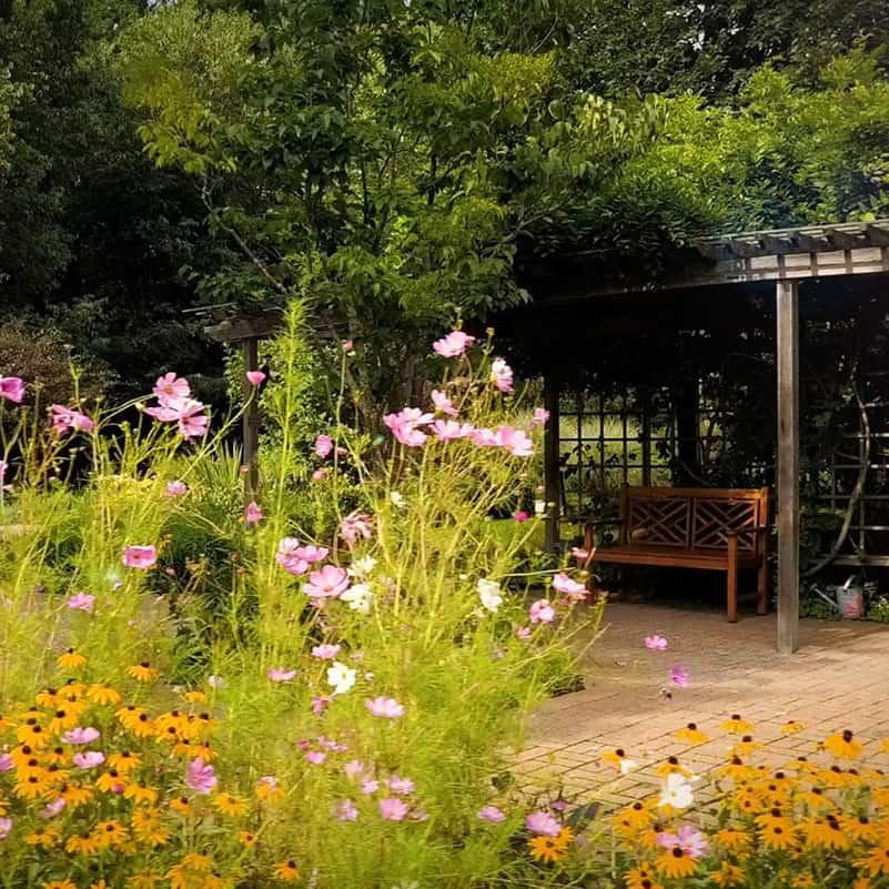 silver-maples_memorial-garden3